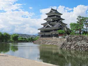 松本城とお堀の写真