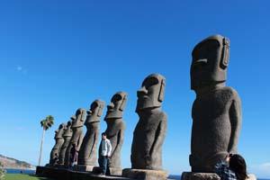 日本にあるモアイ像の写真
