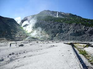 山の山頂付近の写真