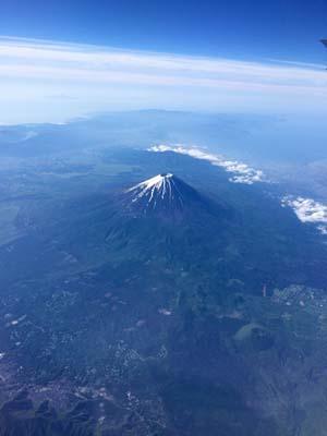 上空から見た富士山の写真