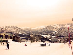 岩原スキー場から見る新潟の山々の写真
