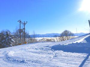 斑尾高原スキー場から見える雲海と青空の写真[Photo10235]
