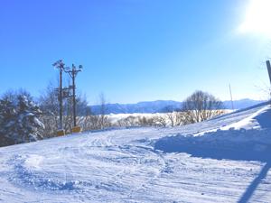 斑尾高原スキー場から見える雲海と青空の写真