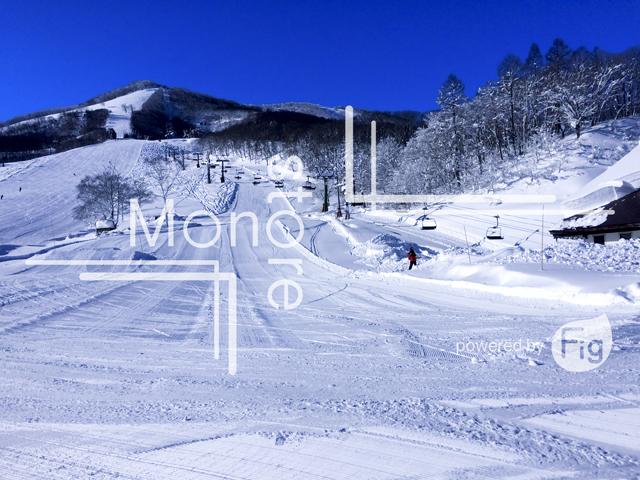 斑尾高原スキー場と青い空の写真