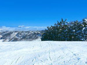 青空と圧雪された雪の写真[Photo10241]